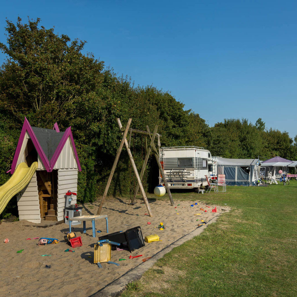 camping aan de waterspiegel